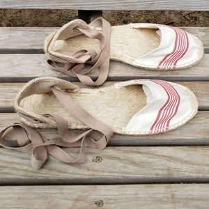 Soludos Lace Up Closed Toe Espadrilles 40